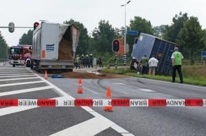 Vrachtwagen-ongeluk-banden